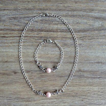 armband en ketting met roze glaspareltje