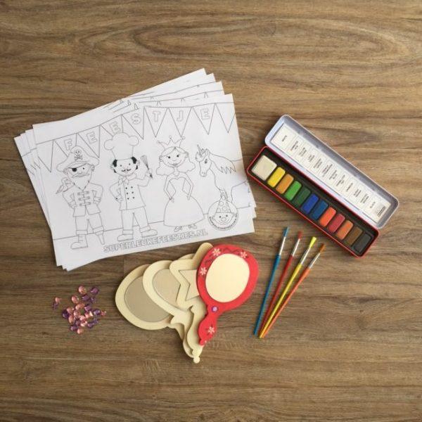 Beschilder je eigen houten spiegeltje, leuk voor tijdens een kinderfeestjes met meisjes