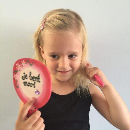 Maak je eigen spiegel, leuk kinderfeest knutsel voor een meisjes feestje