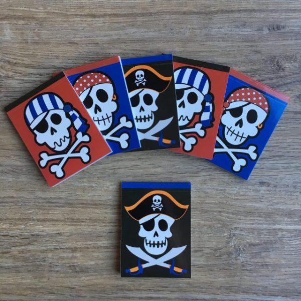 uitdelen, uitdeelboekjes, cadeautje, piraten