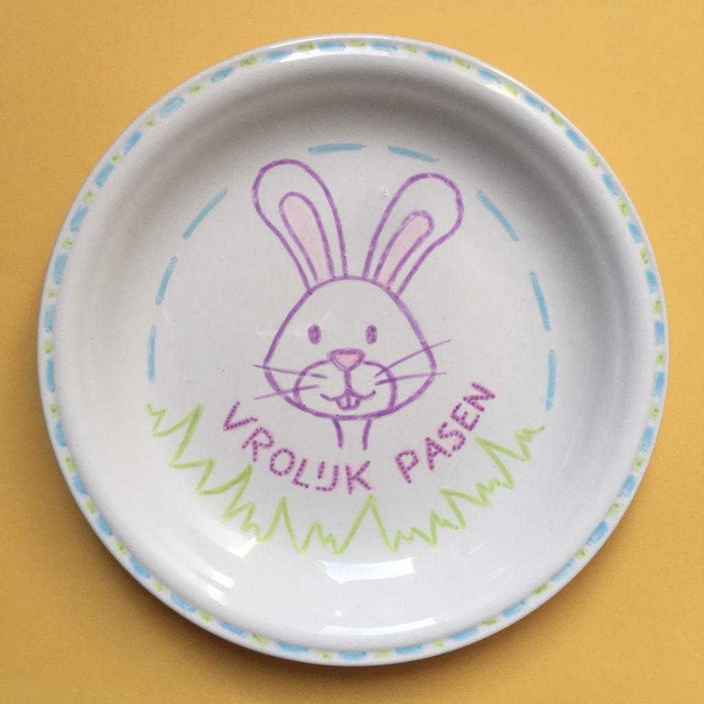 paasbordje, paasknutsel, knutselen, pasen, paasdagen, pasen met kinderen, paashaas, paaskonijn, ontbijtbordje, zelf maken,